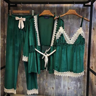 Women's Soft Velvet Sleeping Clothes Set