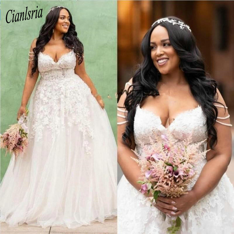 2020 Plus Size Wedding Dresses Pearls Sleeveless Lace Appliques Sexy V Neck Simple Modest  Bridal Gowns Wedding Dresses