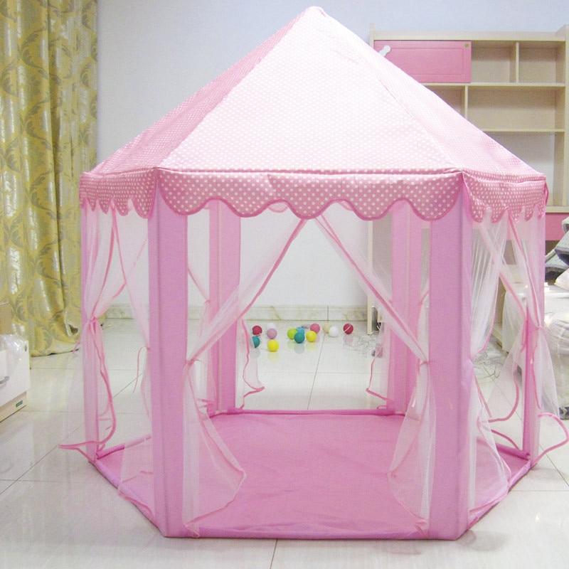 casa crianças jogando brinquedo dormir tenda ao