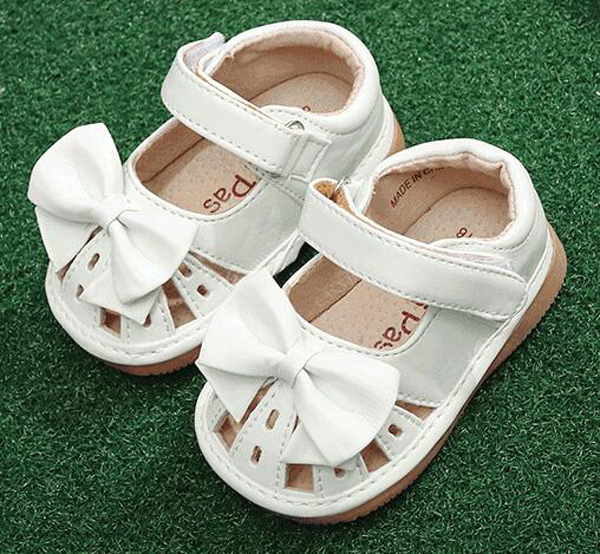 Little Girls Squeaky Shoes Squeakers 1-3 Years Kids Handmade Bow Ribbon Half Sandals Summer Nina Sapatos Fun Baby White Shoes
