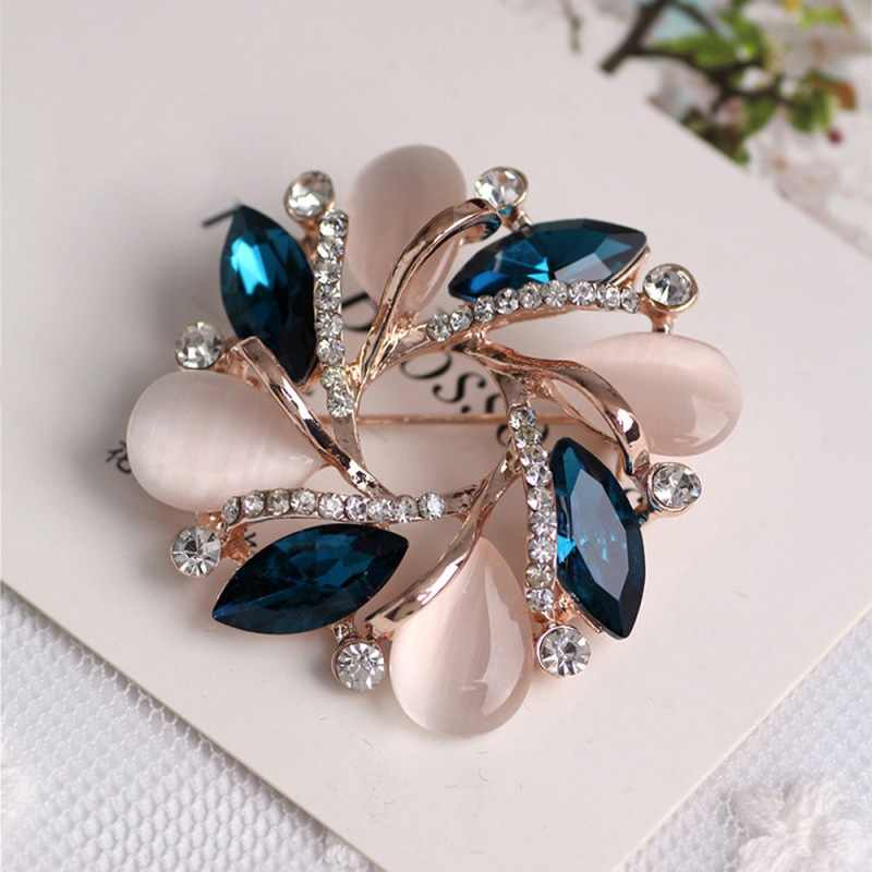 Handmade Women Fashion Brooches Pin Crystal Bauhinia Shape Brooch Accessories For Women Dress Sweater Decorative Pin Ornament