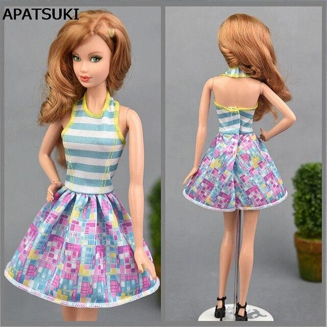 d70e4d518990 Di alta Qualità Fatto A Mano Blu Maglia Bambola Abito Corto Vestito Per  Barbie Casa da