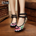 New Spring delicate retro flower embroidery flats shoes women linen shoes for women fashion ladies casual flats shoes oxfords