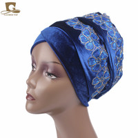 Ventas al por mayor de Nigeria Hijab Turbante Mujeres Moda bordado de la flor 3D Extra Largo Velvet Turbante Turbante Head Wrap Bufanda Empate