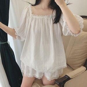 Image 1 - Sevimli kadın Lolita pijama setleri pamuk fırfır Tops + şort. Vintage bayanlar kız dantel pijama seti. Victoria pijama Loungewear