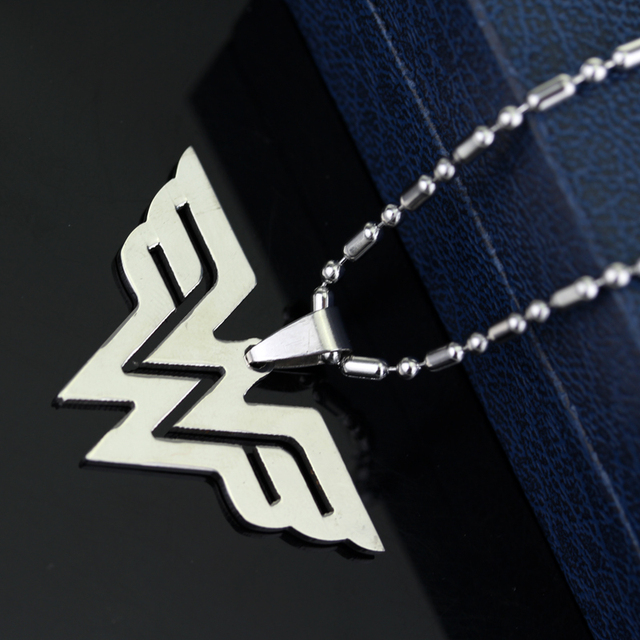 Fashion Wonder Woman Necklace