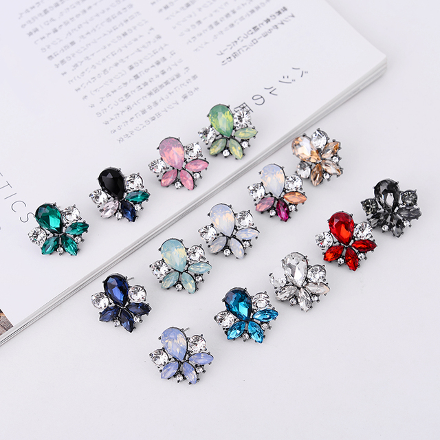 LUBOV Pretty Colorful Crystal Stone Stud Earrings Big Rhinestone Inlaid Women Piercing Earrings Christmas Gift Party Jewelry