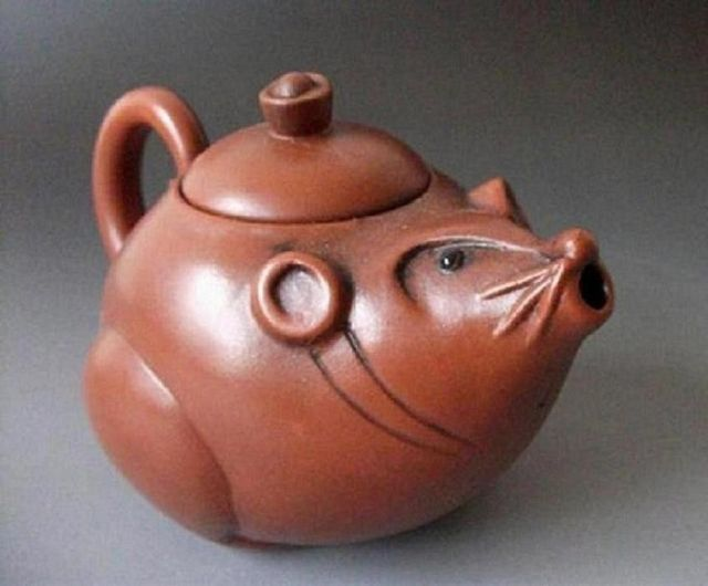 Élaboré chinois à collectionner décoré à la main sable violet belle souris théière