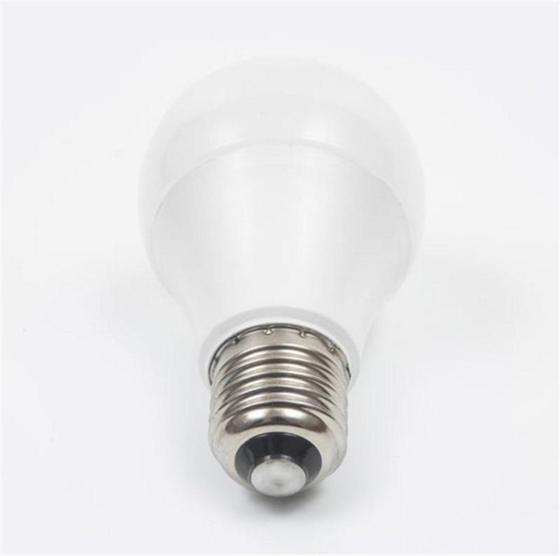 Smart Remote Control EU Standard E27 WiFi Smart Bulb Work with echo Alexa Googlehome Wifi Bulb FK-EU10