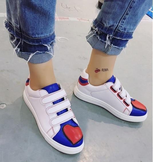 Spring and summer love magic hook white shoe teenager girl rivets Korean flat shoes heart shape