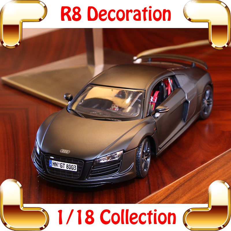 Regalo de año nuevo R8 1/18 Metallic Model Car Scale Collection For Fans de coches Diecast Alloy Vehicle Luxury Presente Toys