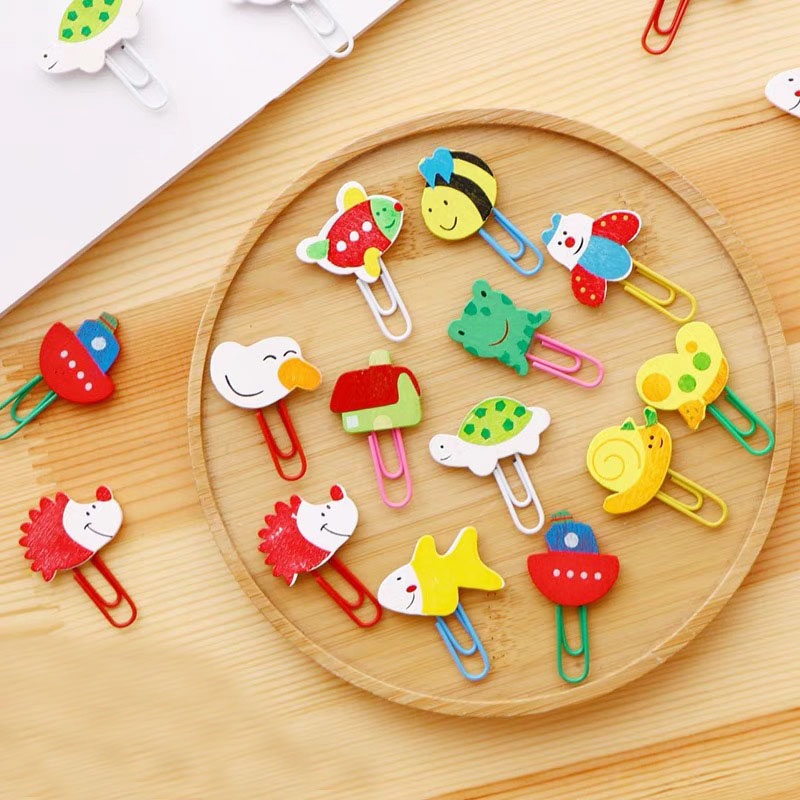 12 Pcs/1 Set Cute Cartoon Animal Pattern Wooden Paper Note Clips Bookmark Paperclip Learning Office Supplies
