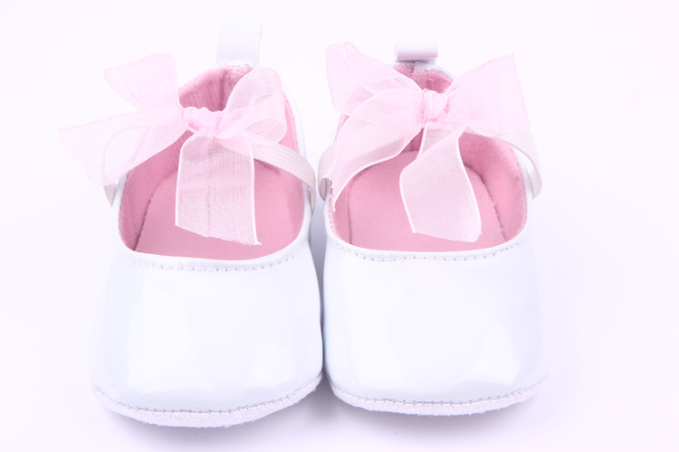 Advice 0 - 2 year old girl baby first walking shoe white and baby shoes leather children's shoes girls with ribbon butterfly knot Cheap