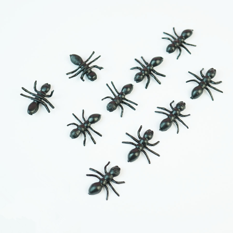 20PCS Christmas Gift Ant Prank Funny Trick Joke Special Lifelike Model Fake Ant Toy Event Party Practical Jokes Gag Toys