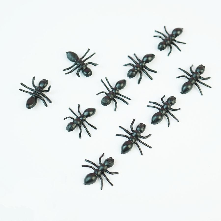 20PCS Christmas Gift Ant Prank Funny Trick Joke Special Lifelike Model Fake Ant Toy Event Party Practical Jokes Gag Toys
