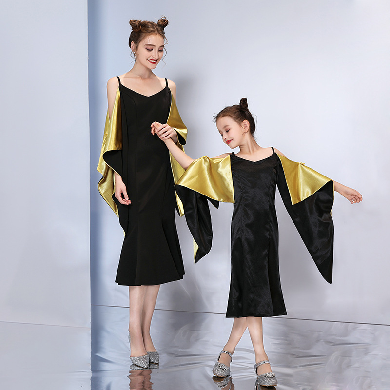 2019 New Style Mother Daughter Matching Dress Solid Color Sling Fashion Personality Dress Model Show Stage Costume Dress2019 New Style Mother Daughter Matching Dress Solid Color Sling Fashion Personality Dress Model Show Stage Costume Dress