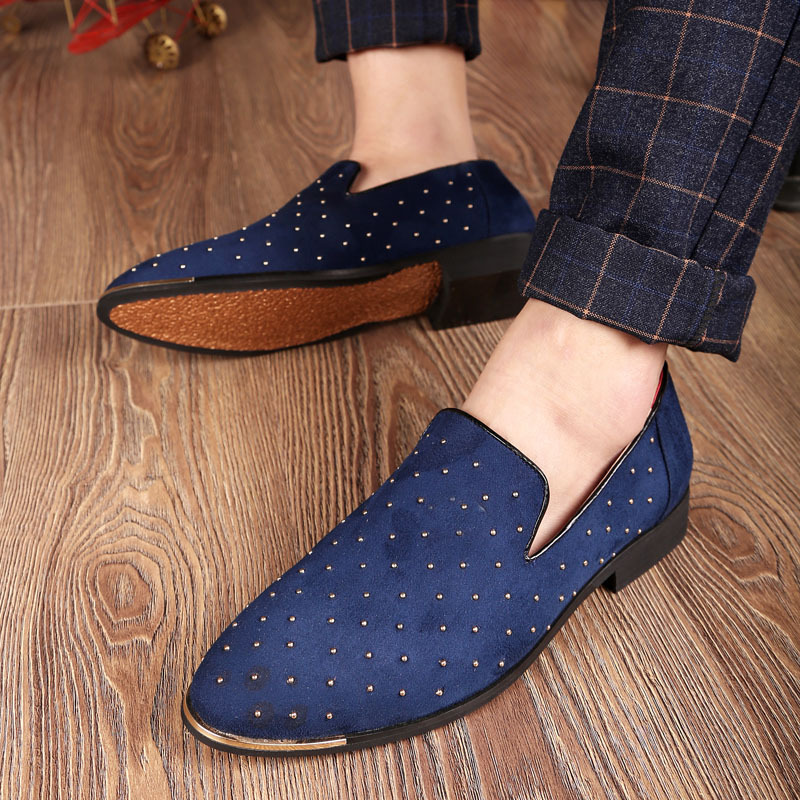 New Fashion Men Driving Shoes Slip On   Suede     Leather   Loafers Shoes Rivet Decorate Black Blue Leisure Men Flat Moccasins Delocrd