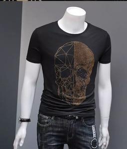 Image 5 - קיץ למעלה Mens גולגלות Rhinestones T חולצות מודאלי כותנה O צוואר קצר שרוול Slim טי חולצה