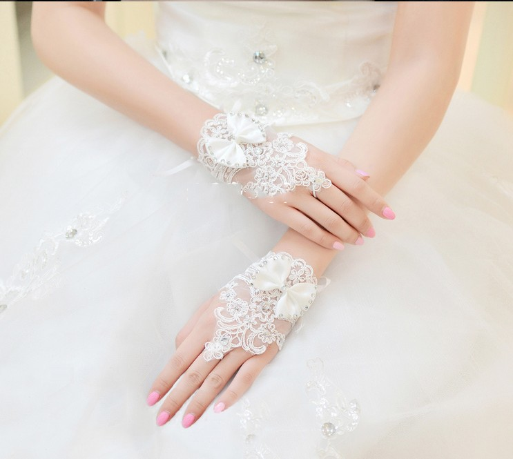Ivory And White Short Lace Wedding Gloves With Beading Slim Rhinestone Bridal Gloves Wedding Accessories