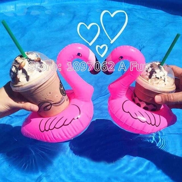 2017 Novo 5 Pçs/lote Mini Cute Pink Flamingo Flutuante Inflável Bebida Pode titular Banho de Piscina Brinquedo Piscina de Água Anel de Natação Piscina de Diversão Brinquedos