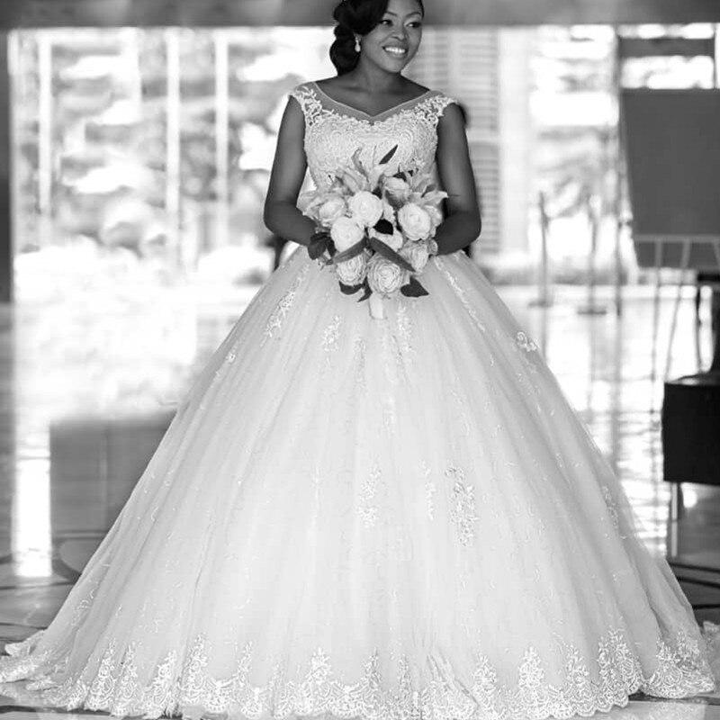 Royal Wedding Ball Gown: Princess Royal Luxury Lace Ball Gown Wedding Dress Cap