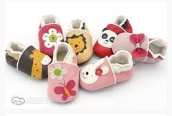 Милые Животные узоры детская обувь из натуральной кожи плюшевая подкладка детские мокасины Нескользящие Детские кроватки обувь 8 цветов