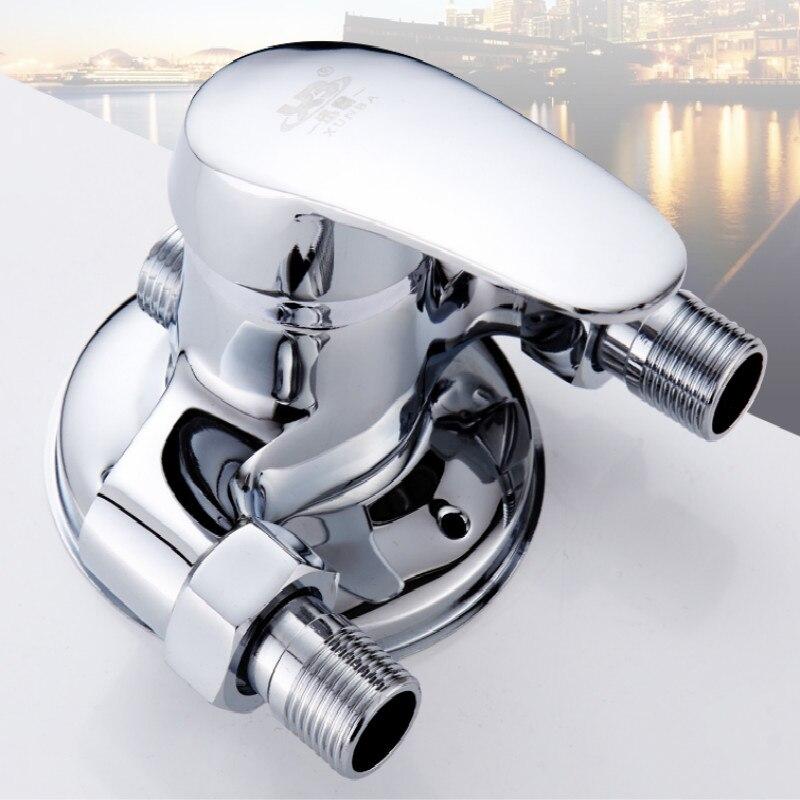 Robinet de baignoire ouvert en cuivre pur robinet de bain mitigeur d'eau robinets de baignoire robinets de bain tuyaux d'eau à l'extérieur du mur