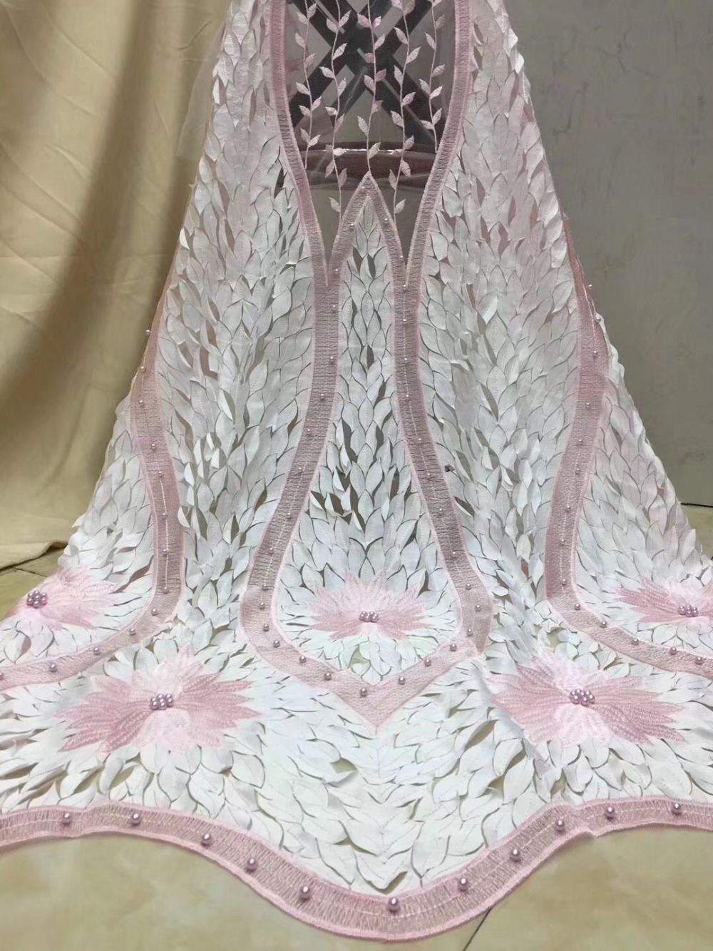 Latest French handcut chiffon Lace Material High Quality French African Lace Fabric Nigerian WeddingLatest French handcut chiffon Lace Material High Quality French African Lace Fabric Nigerian Wedding