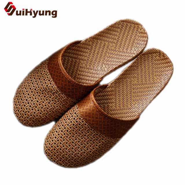 Suihyung New Men Summer Slippers Cane Grass Weaving Breathable Non-slip Male Sandals Beach Flip Flops Home Bathroom Man Slippers
