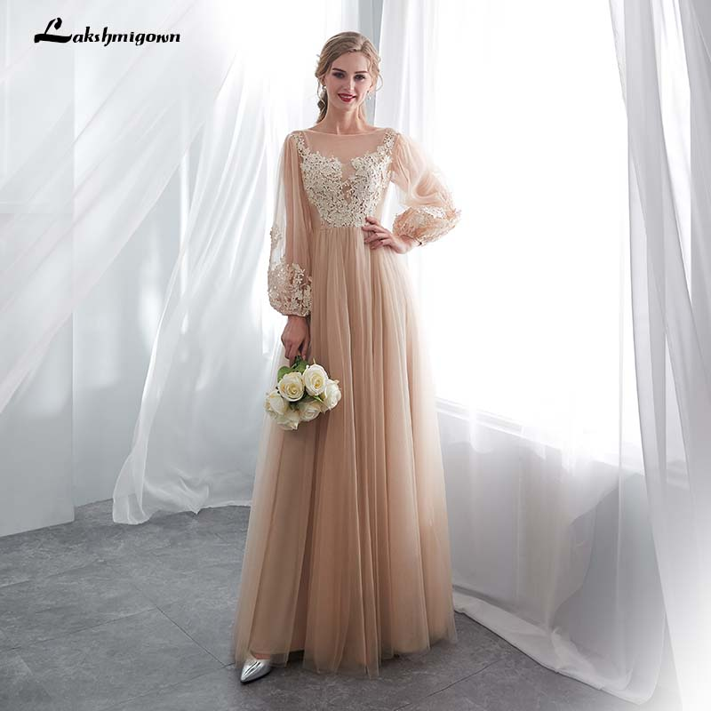 Ball Gown Prom Dresses 2019 Red Sweetheart Neckline Lace Appliques Backless  Satin Floor Length Evening Dresses robe femmeUSD 151.20 piece 28d190a67a41