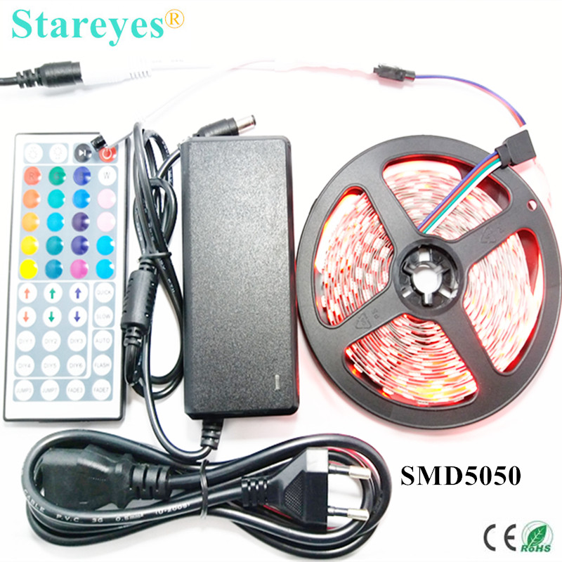 1 set 5M 300 LED SMD 5050 RGB LED strip DC12V tape Niet waterdicht Strip zaklamp verlichting met IR Remote + 5A Power Adapter