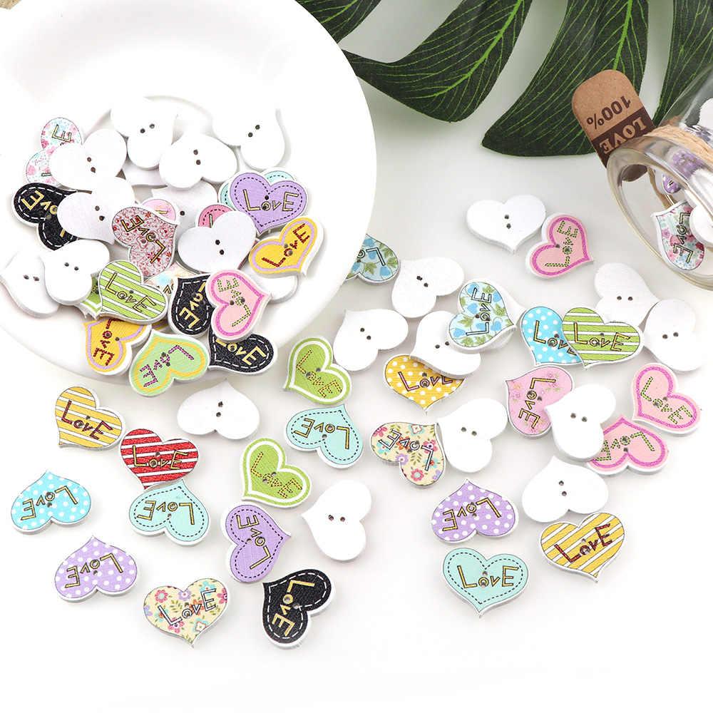 50 sztuk mieszane wielu kolor w kształcie serca drewniane guziki 2 otwory tkaniny drewniane guziki DIY akcesoria 25*20mm