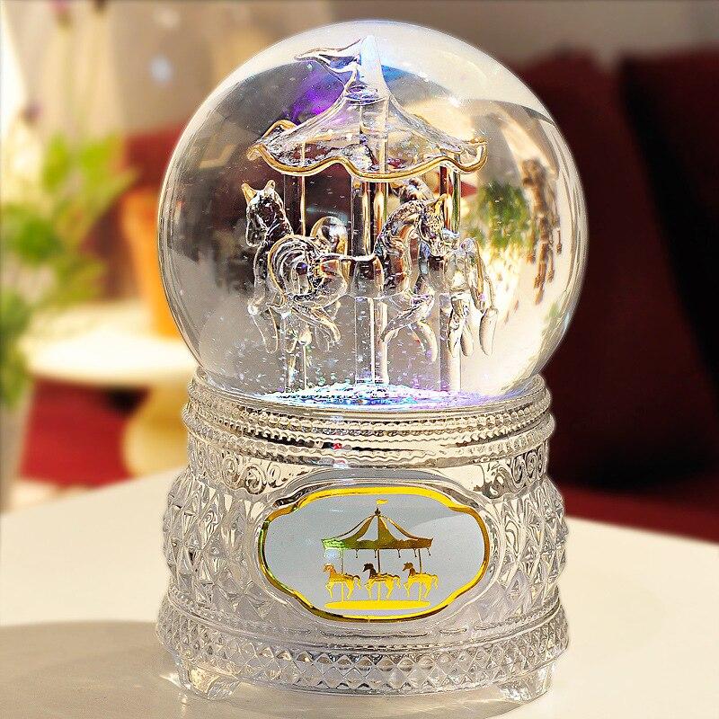 Livraison gratuite lampe de ceinture transparente cheval de troie lumineux boule de cristal boîte à musique