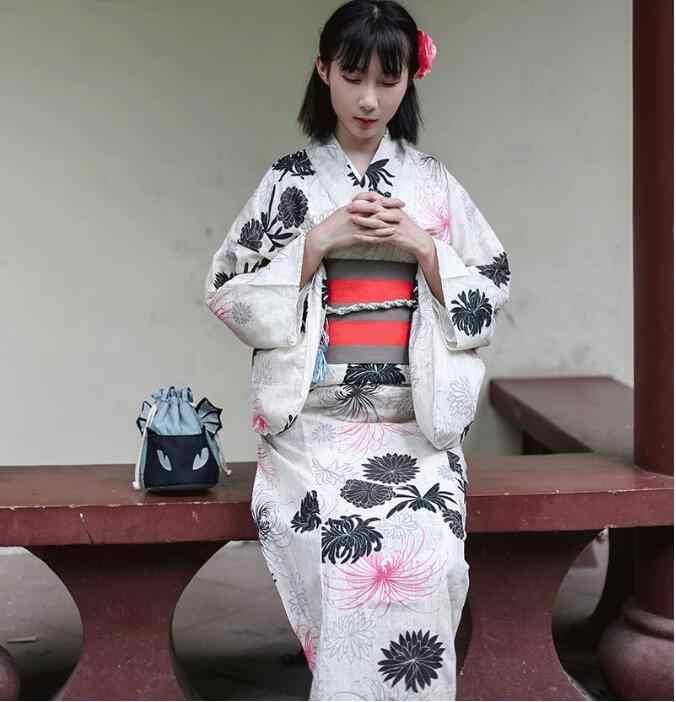 3f77e27a0 Japanese Standard kimono bathrobe suits traditional summer sacrifice Dress  Lady Linen formal modified version kimono Beige