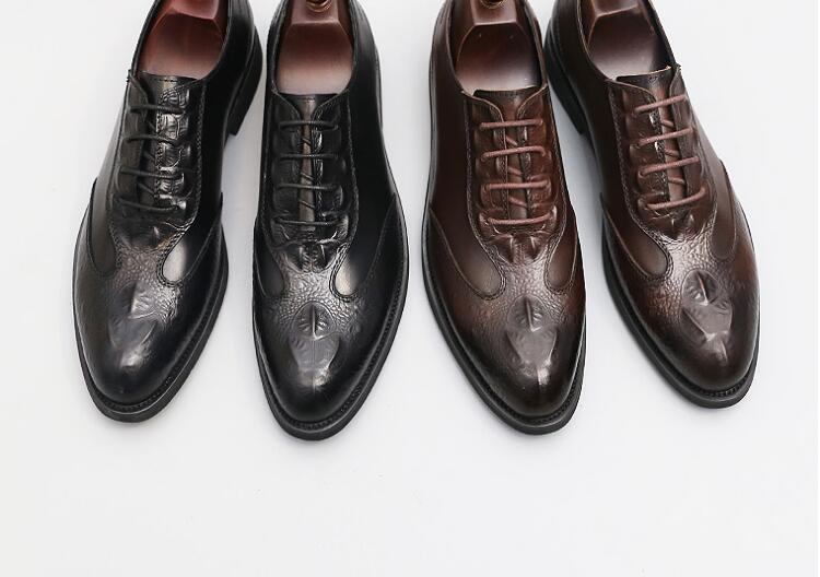 Pointed toes dress shoes men lace-up genuine leather  smart casual shoes embossing new low heel male brogue