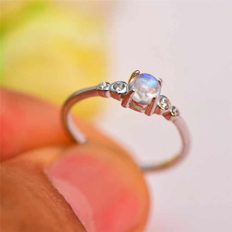 Bonito Pequena Fêmea Rodada Moonstone Anel Real 925 Sterling Silver Wedding Bands Anel Ajustável Promessa Anéis de Noivado Para As Mulheres