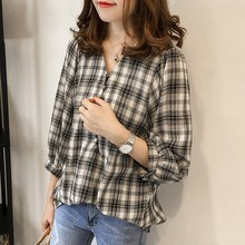 Women Fashion Plaid Blouse Sexy V Neck Buttons Lantern Long Sleeve Shirts 2019 New Korean Casual Loose Shirt Ladies Office Tops