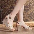 2017 Nuevas Sandalias de Cuero de Split Más El Tamaño 40 41 de la Correa Del Tobillo Cuñas de Verano Sandalias de La Mujer Zapatos de Color Beige Negro Rojo Vino