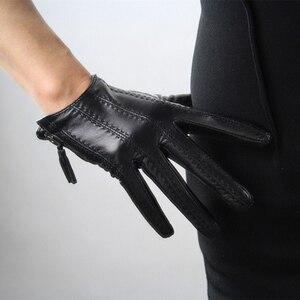 Image 1 - 2018 модные популярные перчатки для сенсорного экрана из натуральной козьей кожи импортные короткие черные женские модели из козьей кожи на молнии с кисточками
