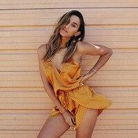 2017 Nuevo verano spaghetti Correa pantalones cortos casual Ladies traje amarillo sin mangas Deep V cuello sexy playa vacaciones traje bowknot 2 unids/set