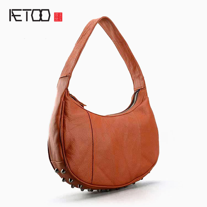 AETOO Leather handbags Europe and the United States rivets Mummy bag wild first layer of leather fashion ladies shoulder bag aetoo europe and the united states trend of the first layer of planted tanned leather men handbags hand ladies shoulder diagonal