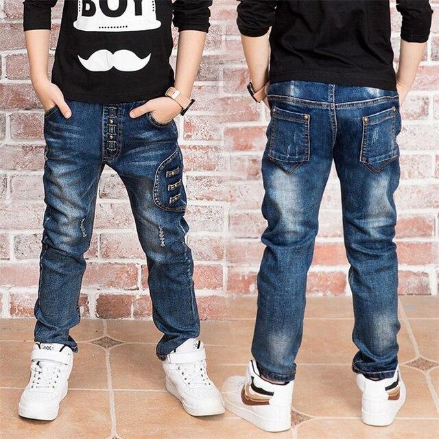 Nuovo ragazzo dei jeans. dei jeans del ragazzo per 2,14 anni i bambini