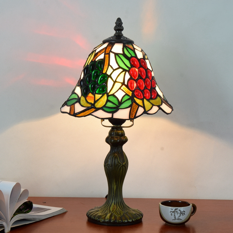 Originality Tiffany color glass grape small desk lamp American Pastoral countryside Green leaf Decorative light 110-240V 20CM