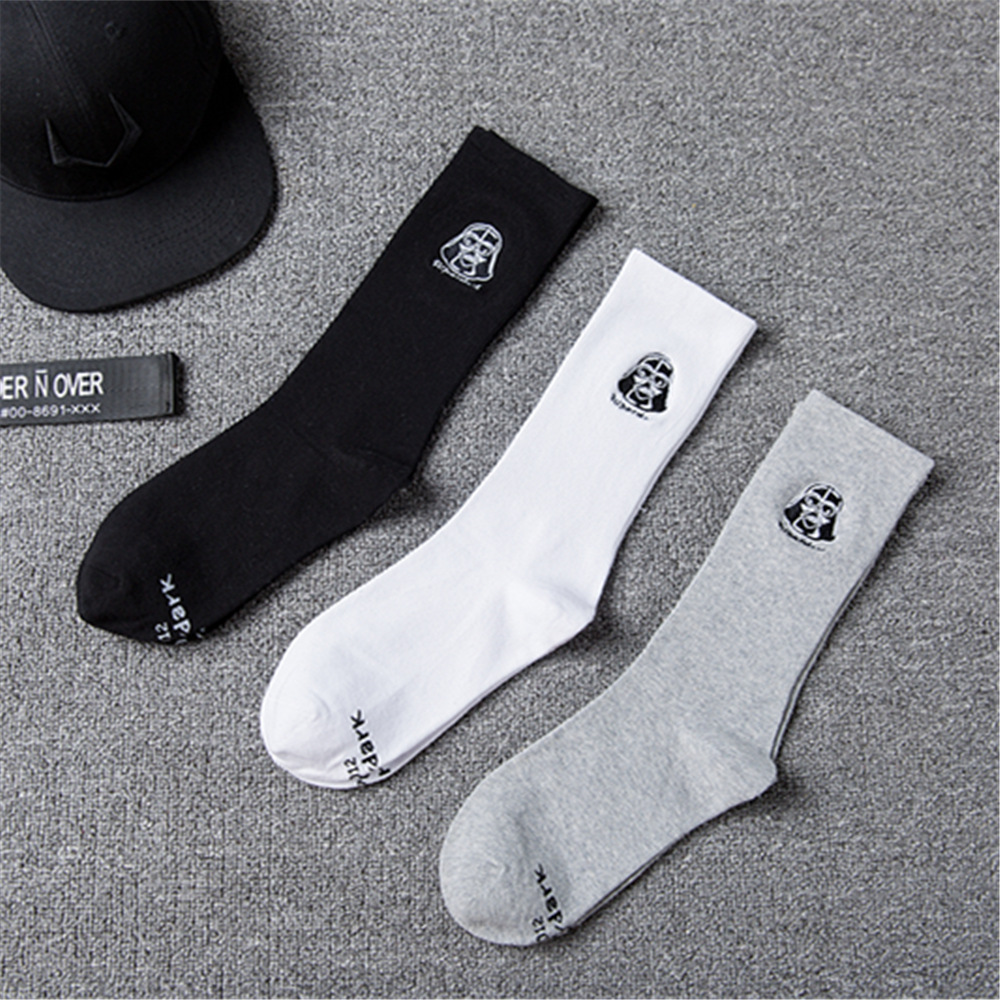 2018 new male and female couple socks solid color cotton socks Star Wars logo embroidery classic cartoon character socks tide