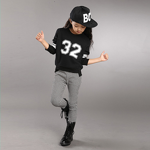 ФОТО 2017 girls spring autumn clothing sets 2 piece sets black red white o-neck number tshirts plaid pants trousers children clothing