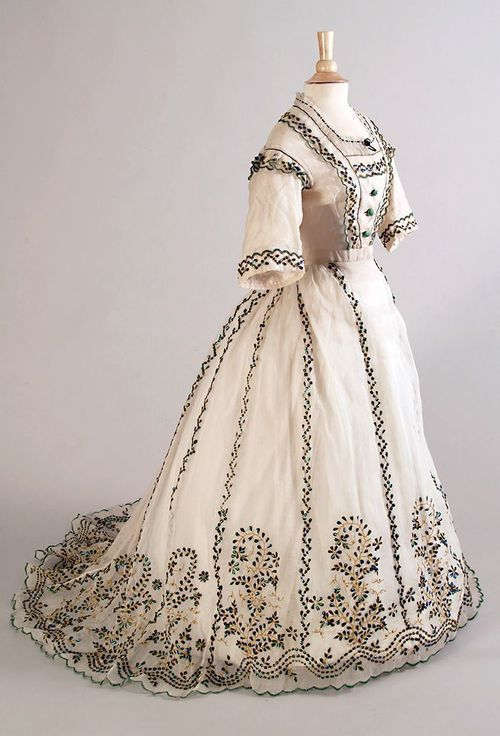 Vintage Day Dress 1865 Medieval Clothing Victorian Dress