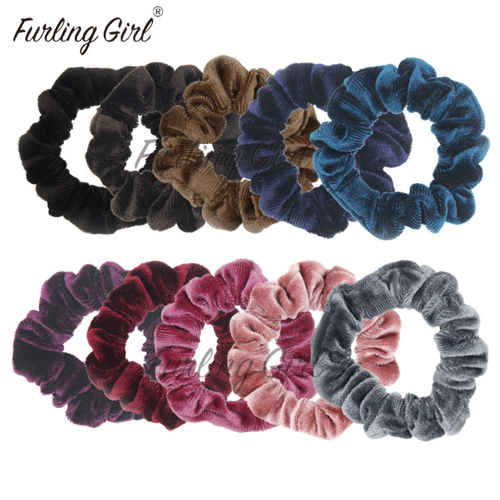 A 2 Pack Of White Soft Touch Fluffy Donut Hair Scrunchie//Bobble
