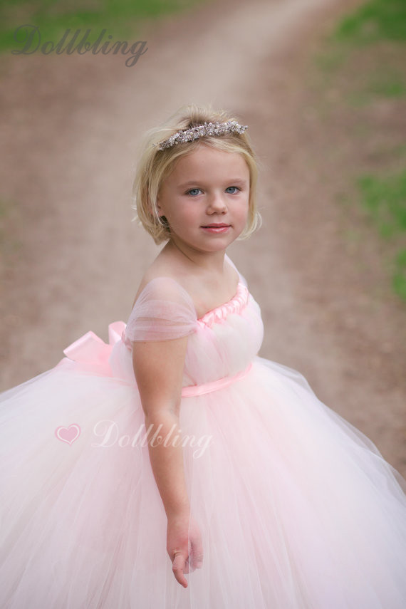 Ins 2017 tulle baby bridesmaid pink flower girl wedding dress fluffy ball gown USA birthday evening prom cloth tutu party dress puffy pink tulle south arabic tutu flower girl dress crystals rhinestones baby infant bling sparkly birthday wedding party gown