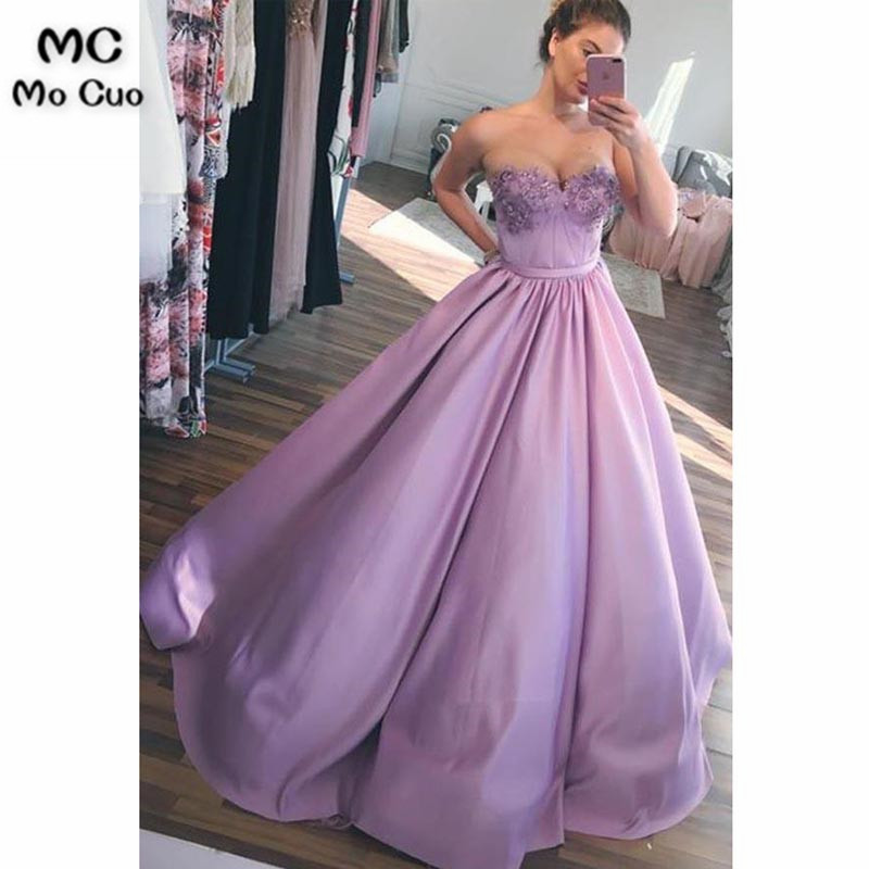 2018 Lavender Evening Dresses Long With Crystals Beaded Appliques Satin Ball Gown Formal Evening Party Dress For Women