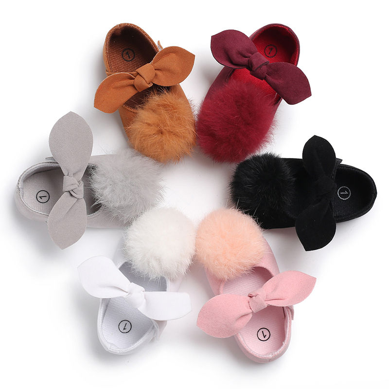 2018 Fashion Toddler Baby Girl Shoes Soft Fur Ball Cute Sole Crib Pram Shoes Pompom First Walkers Bowknot Prewalker 0-18M